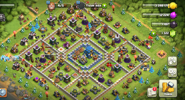 Town Hall 12 Troopers gg wall putih